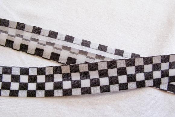 Bias tape black-white squares, 2 cm