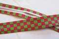 Bias tape green-raspberry suares, 2 cm.