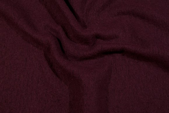 Dark bordeaux, felt wool in classic, elegant quality