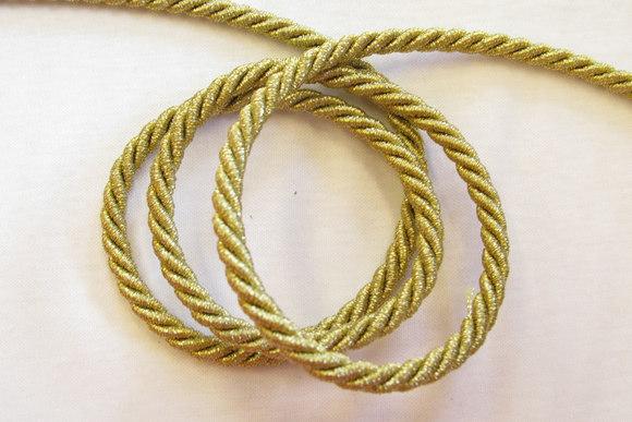 Gold string 0.7 cm