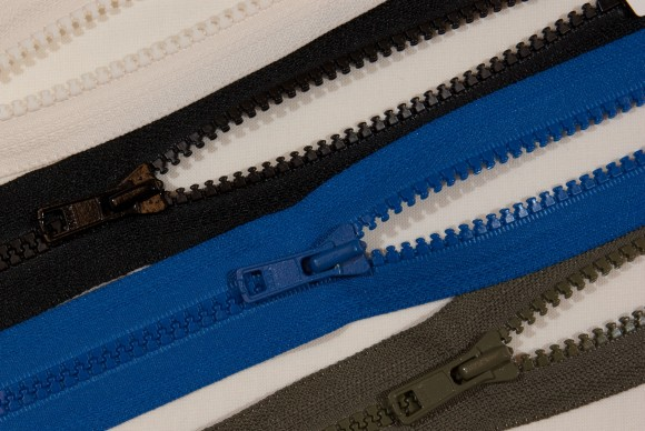 Dress zipper, plastic, 6 mm wide, 15 cm long