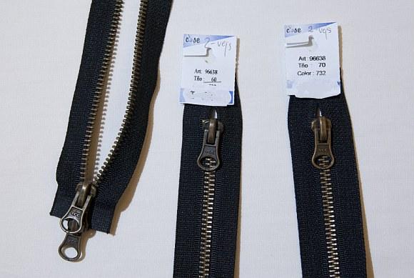 Jacket zipper, 2-way, dividable, oxidized, 6 mm wide, 100 cm long