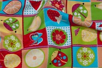 Red-green-blue cotton with frugter in colorde squares