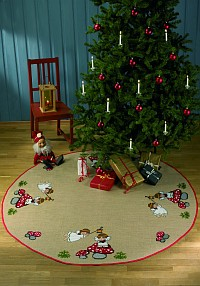Round Christmas tree skirts with sweet angels