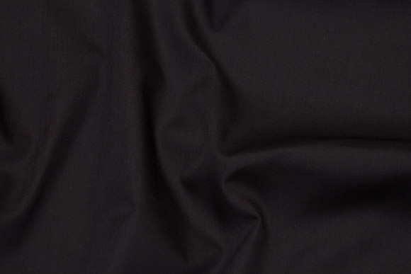 Black poplin in polyester and cotton