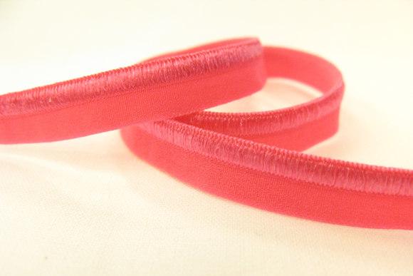 Elastic piping, pink