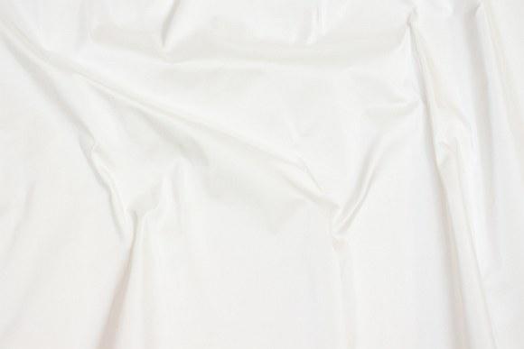 Off-white thai silk in in classic, beautiful quality
