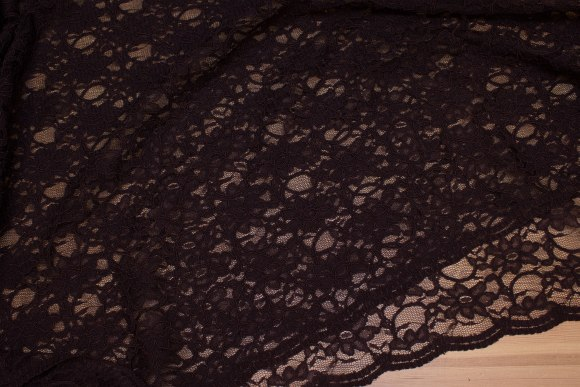Warm dark-brown dress-lace-fabric with double scallop edge