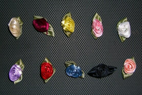 Satin decorative roses 1,5 cm diameter