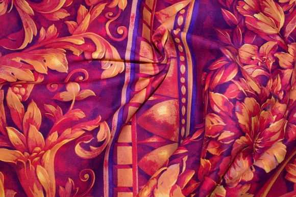 Goldenred, classic leaf-pattern on cotton