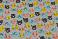 Light grey-speckled, light sweatshirt fabric with cat-heads