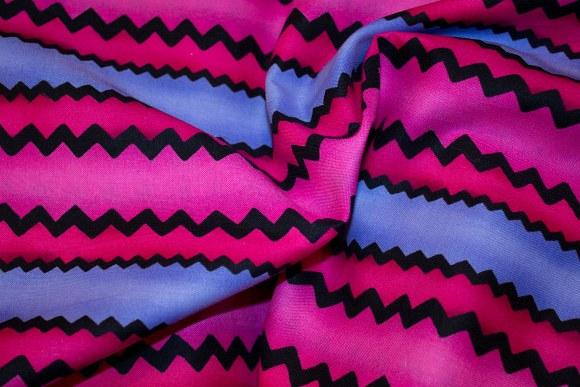 Lightpurple-pink-black cotton with beautiful zigzag stripes