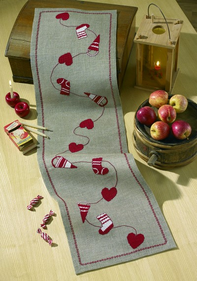 Christmas runner with hearts etc.