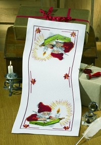 White christmas runner with writing Santa. Permin 63-0242.