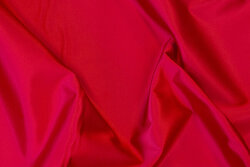 Rugged stretch-satin in red