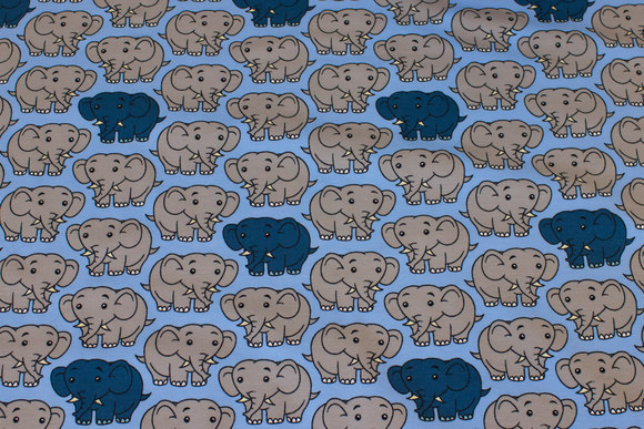 Light blue cotton-jersey with 5 cm elephants