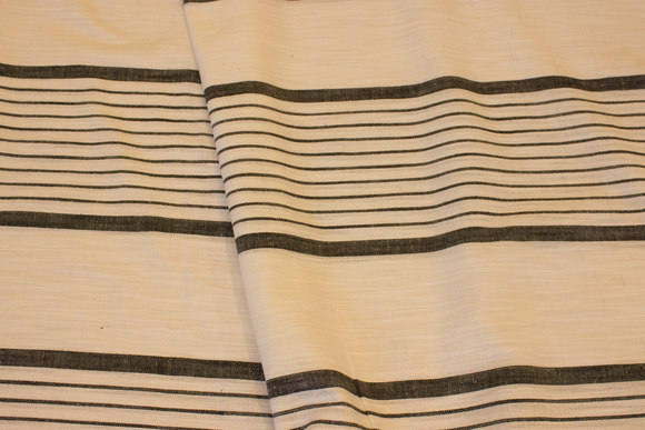 Wide-striped black and kridhvid linen in helt lightweight quality