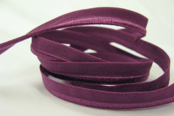 Elastic piping, fuchsia