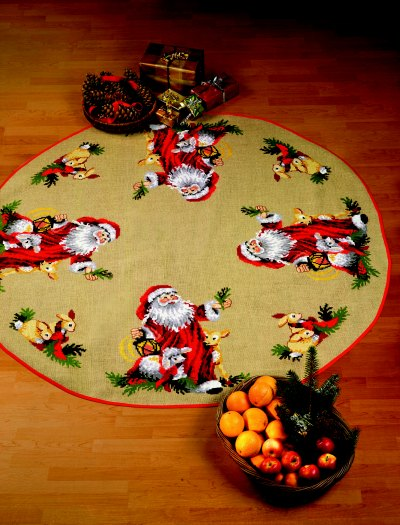 Christmas tree skirts - Santa Claus animals