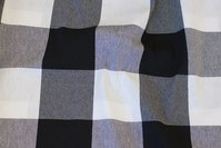 Medium-thickness bom and polyester with big chess checks in black and white