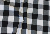 Medium-thickness bom and polyester in black and white chess checks