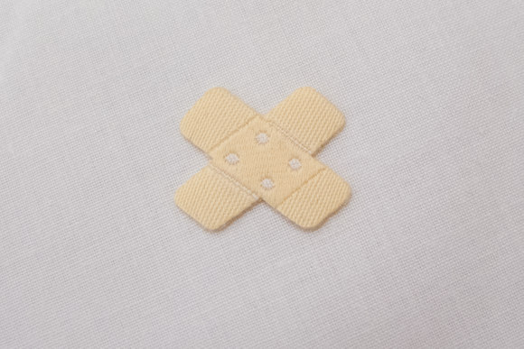 Bandaid iron on patch 1,5x2 cm