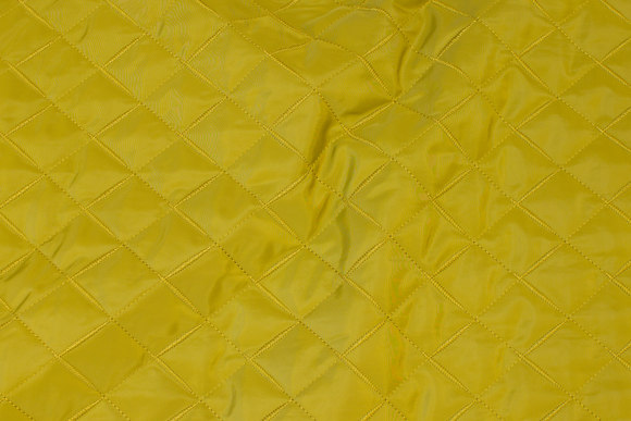 Fine quiltet lining in yellow-green, 5 cm checks
