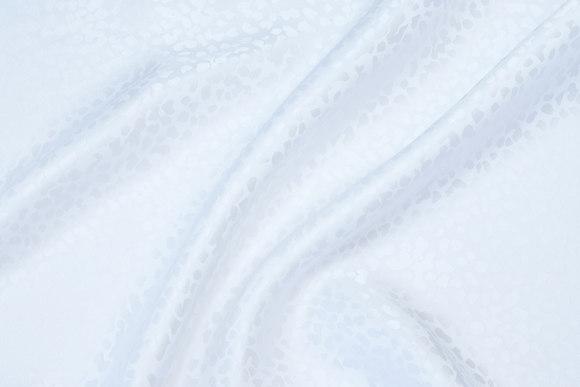 Jacquard-woven 100% silk in white