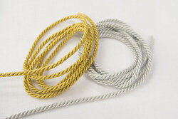 Gold- and silver cord 4mm