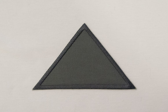 Triangle grey 8x11cm