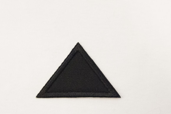 Triangle black 4x6cm