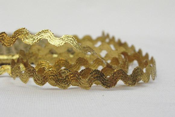 Goldcoloured rick-rack 5mm