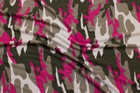 Camouflage viscosejersey in dirt-color, pink and white
