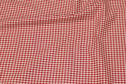 Firm cotton with 4 mm checks in winter-red and nature
