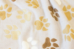 Soft, light grey micro-fleece with ca. 6 cm paws
