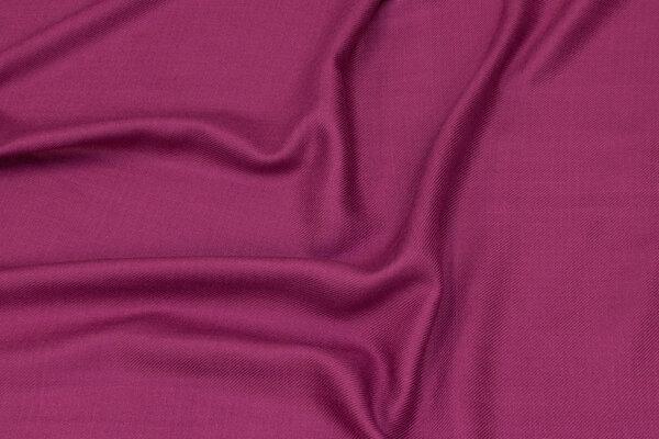 Thin, soft viscosetwill in fuchsia